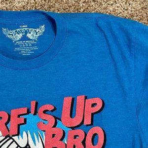 Hawaiian Punch Savvy Size Large Light Blue T-Shirt